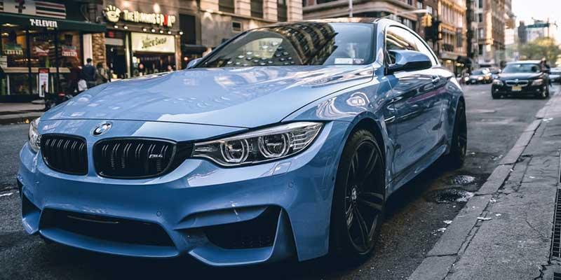 BMW M4 カタログ PDF|オプション装備一覧