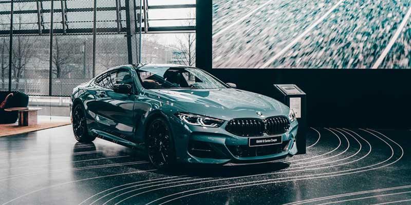 BMW M8 カタログ PDF|オプション装備一覧